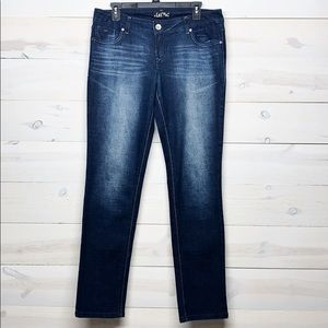 L.E.I. Ashley Low Rise Skinny Jeans